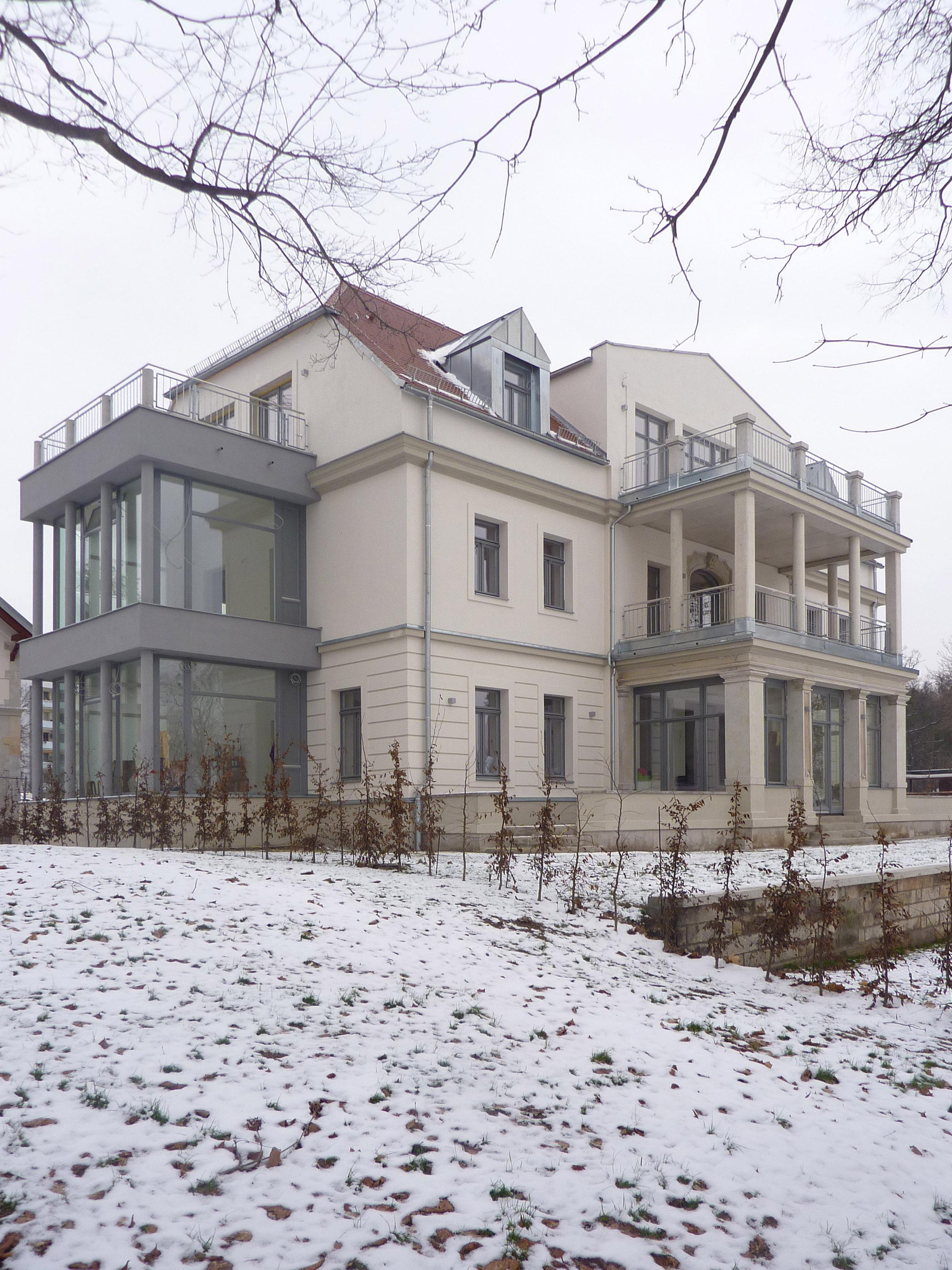 wohnen am brockhauspark sanierung villa shp. Black Bedroom Furniture Sets. Home Design Ideas