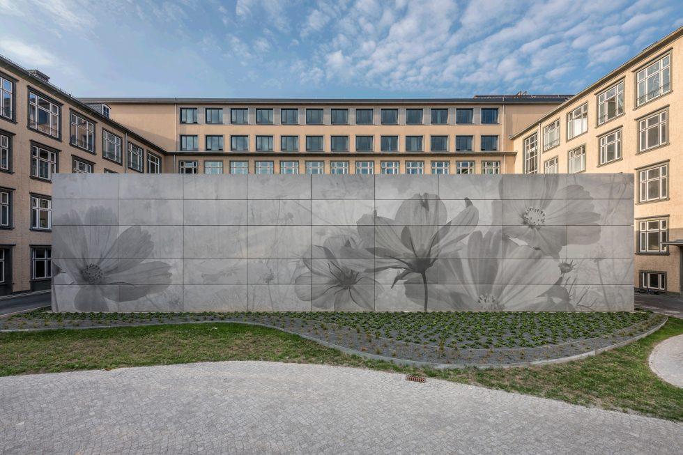 SHP-Bauprojekte.de-B-50-EXC Mikroskopiergebäude im Innenhof (Bild: Steffen Spitzner)
