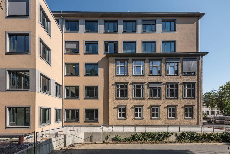 SHP-Bauprojekte.de-B-50-EXC Verschmelzung Altbau und Neubau, Aufstockung D-Flügel, Erweiterungsbauten