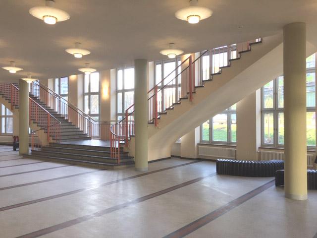 SHP-Bauprojekte.de-B-50-HS-GBM Treppe Foyer